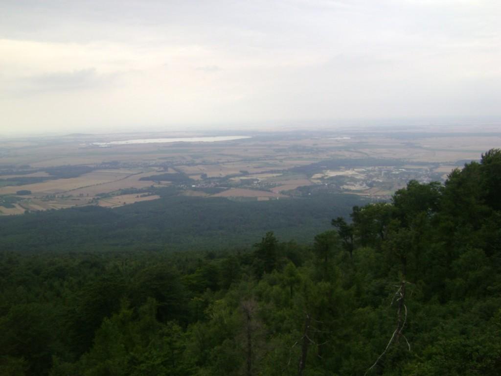 Ślęża: widok z góry na Zalew Mietkowski