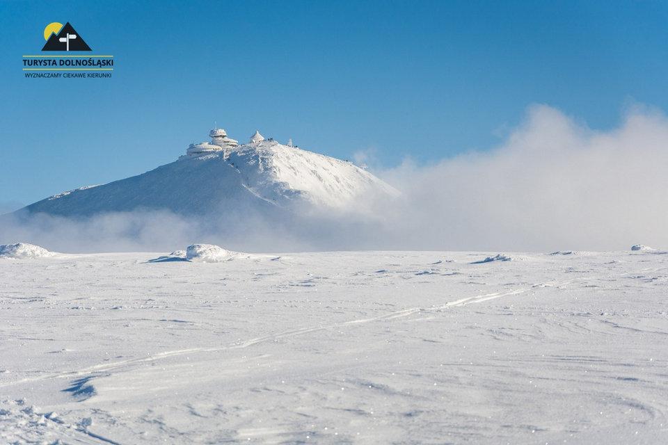 Zimą na Śnieżkę: o czym pamiętać, wychodząc w góry zimą?